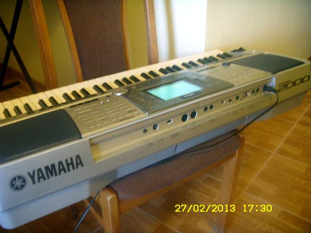 Yamaha-PSR-2000-3