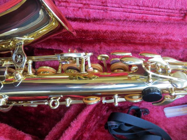 saxofon-yamaha-24-8