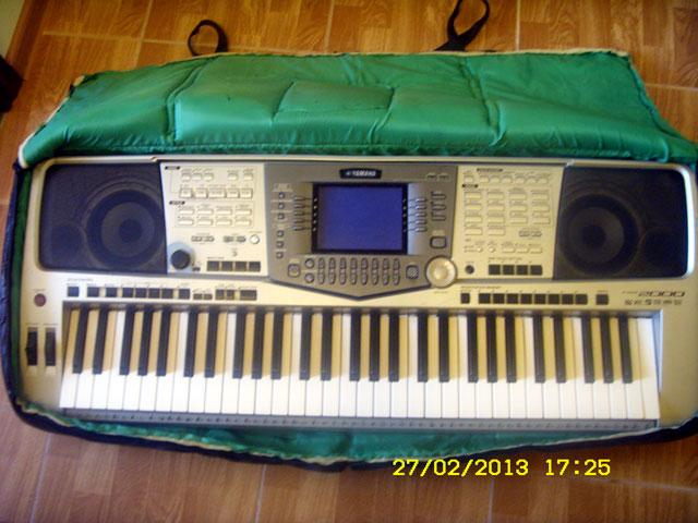 Yamaha-PSR-2000-5